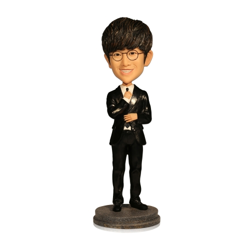 groom bobble head